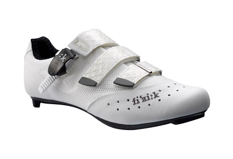 fizik r1 uomo shoes - men's- Save 44% Off - The Fizik R1 Uomo road cycling shoes bring high performance and comfort to the dedicated cyclist. A rigid carbon fiber sole helps you power your bike with each pedal stroke, and the OrthoLite(R) foam and Podiaflex insole material along the footbed offer a custom fit.  Features:  - Materials: Kangaroo Leather/Nylon Mesh   - Tongue: Pocket Construction   - Outsole: Carbon Fiber   - Insole: 3D-Flex Cycling Moldable Insole   - Buckle: Hex/MC Carbon Fiber   - Straps: Sail Cloth Resistant   - Weight: 239 g. (size 43)