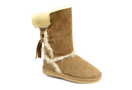 lamo big bear ii genuine sheepskin boots - women's- Save 60% Off - Made with premium Australian sheepskin, the LAMO Big Bear II Boots are great for lounging around the house or a casual day of activities.  The double face sheepskin upper adds a high quality, super soft and luxurious feel to these boots.  Back tie detailing and exposed fur seams add stylish features.  High-density rubber Comfort-Flex outsole provides traction and flexible walking comfort.  Features:   - Made with premium double-faced Australian sheepskin  - Tie-back system for a comfortable fit  - High-density rubber Comfort-Flex outsole for added traction