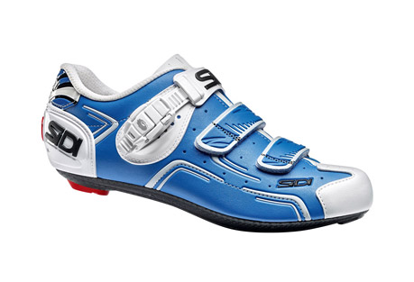 sidi level cycle shoes - men's- Save 45% Off - The Sidi Level shoes are made with a composite carbon/nylon sole Millenium 4 sole for excellent rigidity and long life.  The durable Politex upper includes a reinforced heel cup for efficient positioning and increased power.  A Techno-3 caliper buckle allows you to adjust the fit while riding.  The Level is equipped with a widely compatible 3-hole drilling pattern and a replaceable heel pad to enhance walkability.  Features:  - Millenium 4 carbon composite sole:  injected carbon fiber in a nylon matrix  - Standard 3 hole drilling pattern  - Politex upper offers strong resistance to ripping, laceration, stretching and fading  - Reinforced heel keeps the foot in a optimal position and prevents the shoe from being deformed by extreme performance or prolonged pressure  - Includes a printed 10 mm lateral and fore/aft cleat alignment scale on the sole as well as the Look Memory Eyelet for easy cleat alignment and replacement.  - Caliper buckle dials in fit along the entire length of the shoe  - Replaceable polyurethane heel pad  - Last Chance:  Discontinued Color