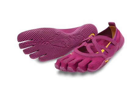 vibram fivefingers alitza loop shoes - women's- Save 40% Off - The simple beauty of the Alitza Loop offers the perfect solution for those seeking a barefoot experience with optimal traction. An ideal minimalist shoe for fitness classes, bare and studio sessions, the Alitza Loop is light, breathable and follows your every move. Easy on/off makes for an effortless transition from home, to studio, to running errands around town. Offered for women only.  Features:  - Weight: 2.99 oz (Women's size 38)  - 2 mm thick drilex anti-microbial sockliner  - 3.5 mm thick rubber outsole  - Vegan materials with stretch polyamide upper  - Cleaning - machine wash cold water / let air dry